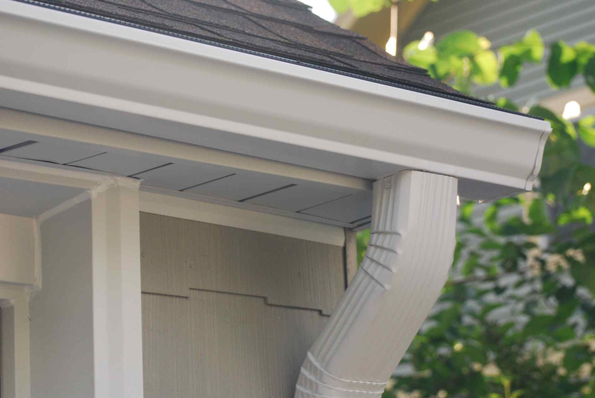 Seamless Aluminum Gutters, Gutter Cleaning - Brown Deer ...
